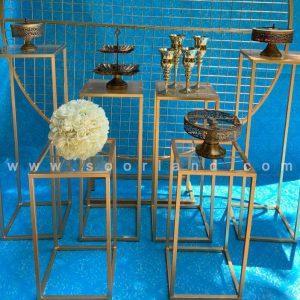 میز فلزی طلایی